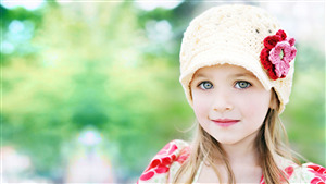 Cute Baby Girl With Winter Cap HD Photo