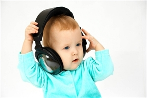 Cute Baby Litioning Song in Headphone Wallpapers