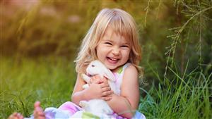 Cute Smiling Baby Girl HD Wallpaper
