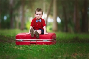 HD Laptop Background of Cute Baby Boy in Red Cloth Photos