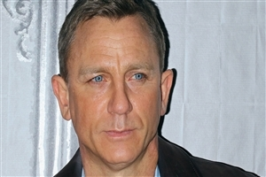 English Actor Daniel Craig HD Wallpaper