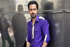 Emraan Hashmi Bollywood Actor in Blue Shirt HD Wallpapers