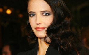 Hollywood Actress Eva Green Wallpaper