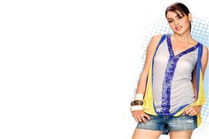 Genelia Dsouza in Crazy Look