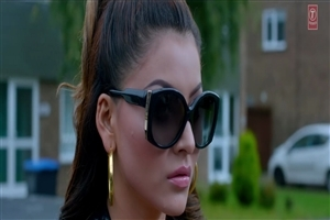Indian Film Celebrity Urvashi Rautela in Sunglass