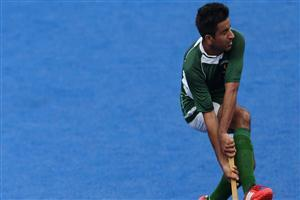 Pakistani Hockey Player Hit Ball Pics