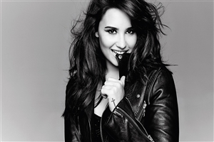 Cute Smile of Demi Lovato Wallpaper