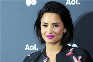 Demi Lovato in Pink Lips Photo