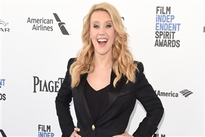 Kate McKinnon in Black Suit Photo