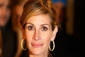 Famous American Hollywood Actress Julia Roberts Cute Smile HD Wallpapers