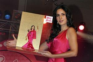 Barbie Award to Bollywood Actress Katrina Kaif Wallpaper
