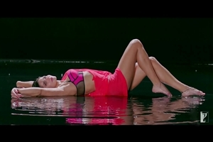 Hot Katrina Kaif in Sexy Look of Dhoom 3 Movie Song Wallpapers