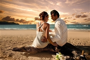 Romantic Couple Love on Beach HD Desktop Wallpapers