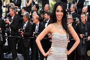 Actress Mallika Sherawat on Red Carpet HD Pics