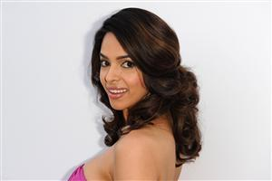 Beautiful Actress Mallika Sherawat Image