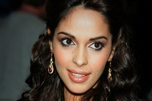 Mallika Sherawat HD Wallpaper
