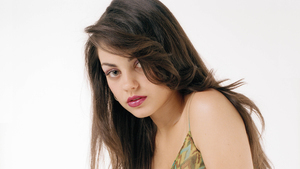 Cute Actress Mila Kunis HD Pics
