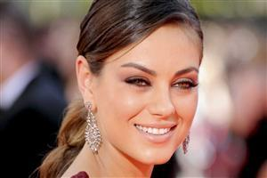Sexy Eye Closeup Face Wallpaper of Hollywood Actress Mila Kunis