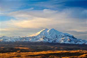 Mount Elbrus Mountain Volcano in Russia 4K Wallpaper