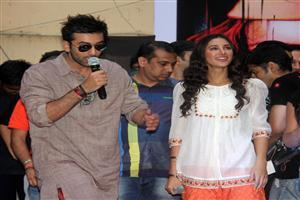 Ranbir on Mic with Nargis Fakhri
