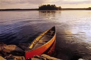 Canoe in Morning On The Lake Free Images