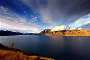 Nature Lake Hawea in New Zealand