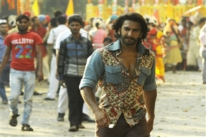 Actor Star Cast Ranveer Singh Upcoming 2014 Hindi Bollywood Film Gunday Wallpaper