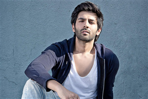 Dashing Look of Kartik Aaryan on Birthday