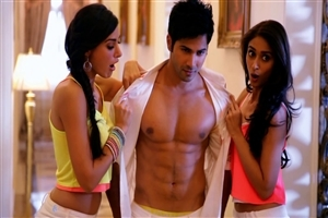 New Popular Actor Varun Dhawan Six Pack Abs Body Photo