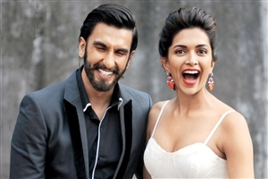 Ranveer Singh and Deepika Padukone Smile Together Photo