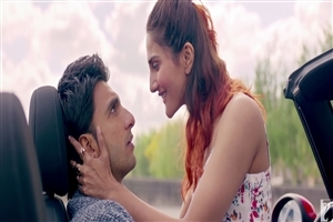Ranveer Singh and Vaani Kapoor in Befikre Film HD Photo