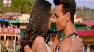 Tiger Shroff Romance with Actress in Movie Student of the Year 2