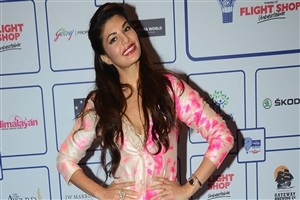Actress Jacqueline Fernandez HD Wallpapers