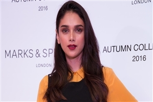 Aditi Rao Hydari Indian Film Actress HD Wallpapers