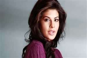 Beautiful New Actress Jacqueline Fernandez Closeup Image