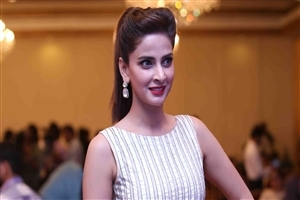 Beautiful Saba Qamar Wallpapers