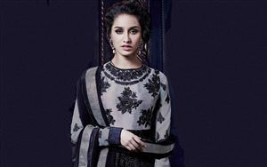 Beautiful Shraddha Kapoor in Dress Wallpaper