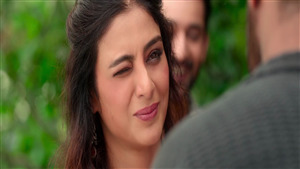 Beautiful Tabu Eye Blinking in Movie De De Pyaar De