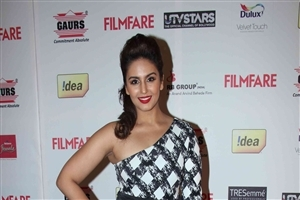 Bollywood Heroine Huma Qureshi in Red Lips