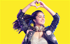 Crazy Look of Shraddha Kapoor Wallpaper