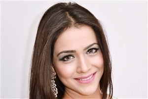 Cute Smile of Humaima Malik Closeup High Quality Photos for Laptop