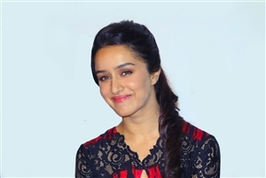 Cute Smile of Shraddha Kapoor Actress HD Wallpapers