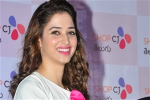 Cute Smile of Tamannaah Bhatia Photo