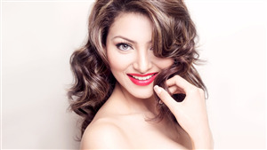 Cute Smile of Urvashi Rautela Actress HD Wallpaper