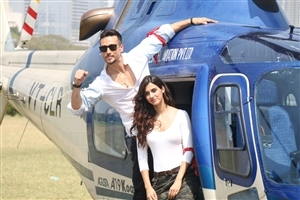 Disha Patani and Tiger Shroff Indian Celebrity 2018 Wallpaper