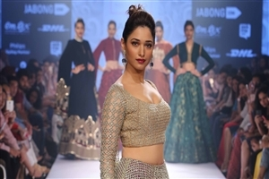 Hot and Sexy Look of Tamannaah Bhatia in Ramp Photo