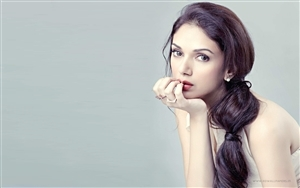 Indian Actress Aditi Rao Hydari Wallpapers
