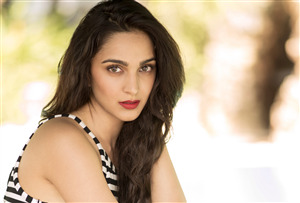 Pretty Kiara Advani Wallpaper