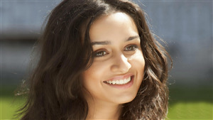 Shraddha Kapoor 4K Wallpaper