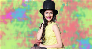 Shraddha Kapoor in Magicien Cap Wallpaper